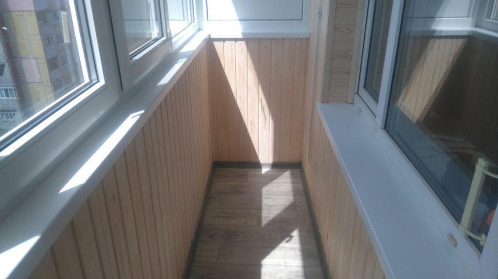 обшивка балкона под ключ Киев